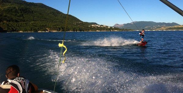 Lac de Serre Poncon Wakeboarding