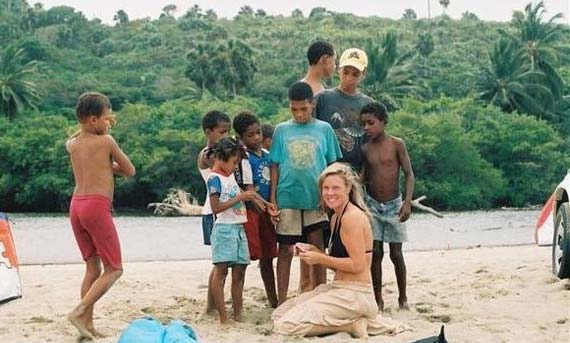 Christine Sleichter - Dominican Kids on Kitesurfing Trip